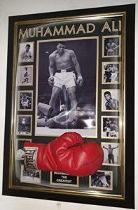 www.SignedMemorabiliaShop.co.uk Muhammad Ali Gant de Boxe encadré