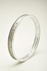 Jante en aluminium type Borrani record Wheel Rim WM21,85x 2136trous
