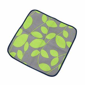 LIOOBO Tapis de Camping en Plein air Coussin de siège Chaise imperméable Portable Tapis de Pique-Nique pour Enfants Adultes (Vert)