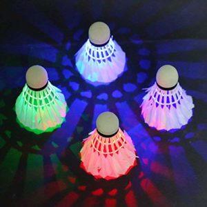 LED Volant de Badminton, Lypumso LED Badminton Birdies /balle de Badminton Nuit Eclairage pour les Activités Sportives Intérieur et Extérieur (4 pack avec 4 Couleurs)