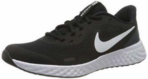 Nike Revolution 5, Chaussures de Gymnastique Mixte Enfant, Noir/Blanc/Anthracite, 38.5 EU